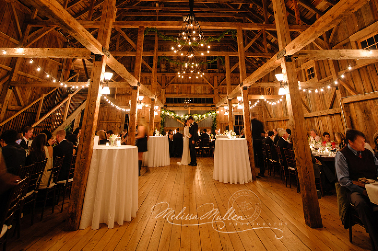 01-barn-at-flanagan-farm-maine-wedding